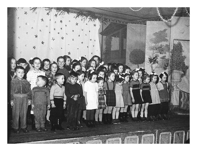 Les Fourgs - photo Th-atre 1953 ou 1954._gl_c