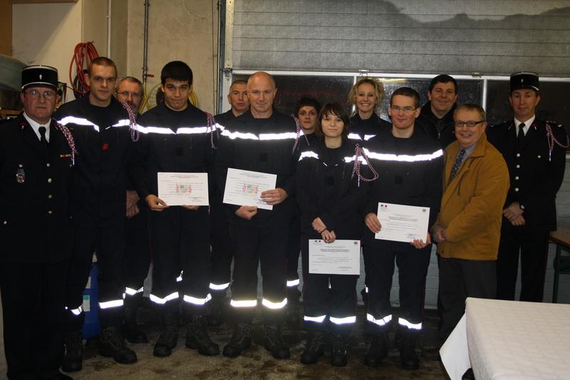 Dipl+¦mes pompiers  01-2012 009