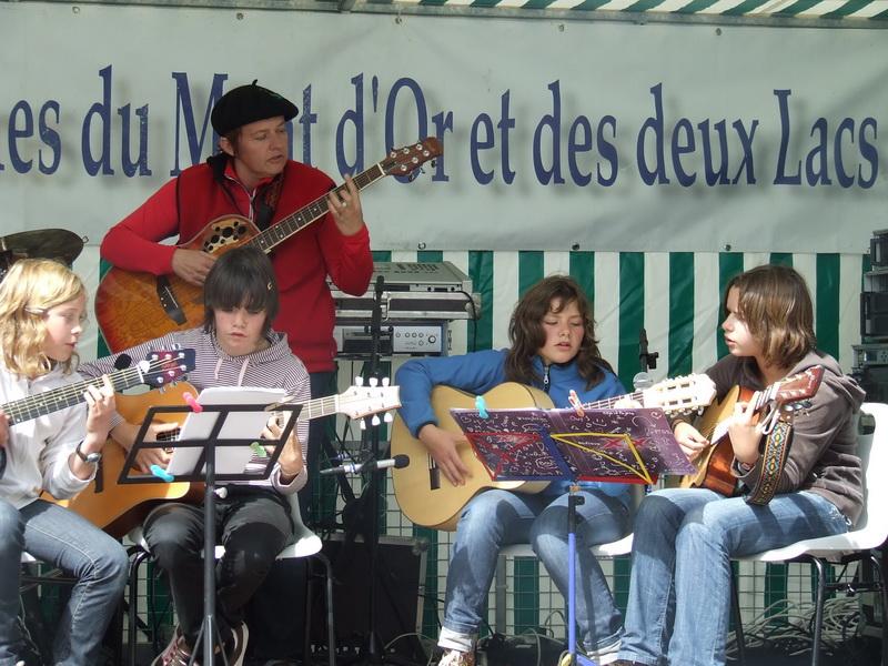2009_0101tourfrancefetemusiqu0021_ma