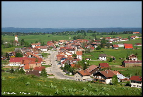 Les_fourgs_village_1