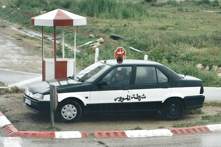 Tunisie 1997-04-17 Douga Police