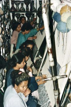 Tunisie 1997-04-20 Hammamet ? Tapis femmes