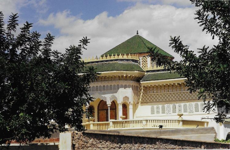 Maroc Oujda Sur la route Palais